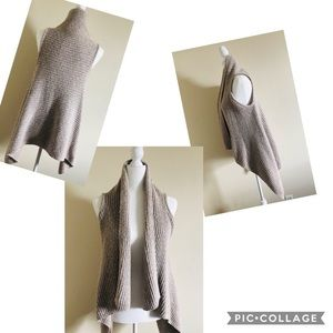 Sz, XS old navy Knit sweater high low .